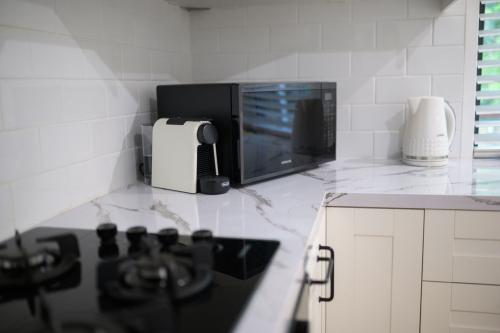 Figtree Cottage - Kitchen Facilities