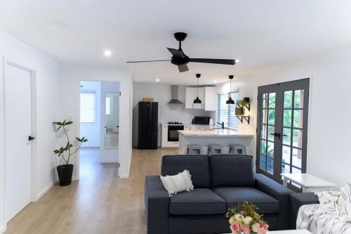 Figtree Cottage Lounge + Kitchen